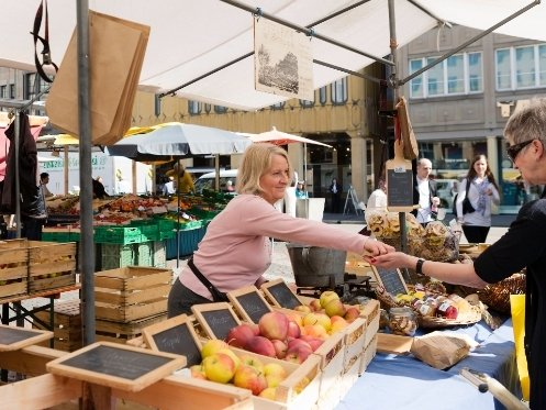 The City Market on Marktplatz offers fresh and seasonal goods.